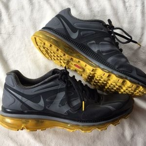 [ Nike Livestrong Black Gym Sneakers] 10.5